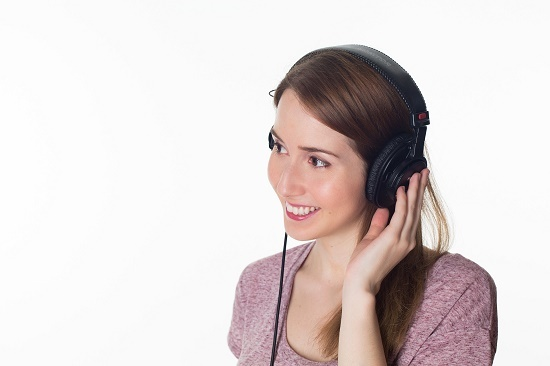 listening to music - photo from pixabay